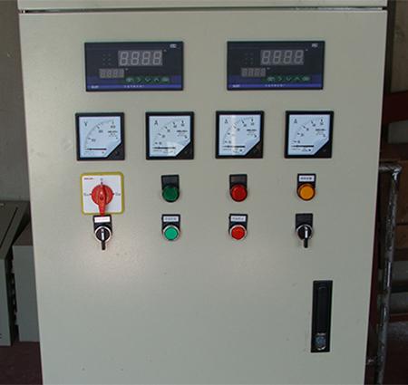 继电器控制柜  采用硬件接线实现的